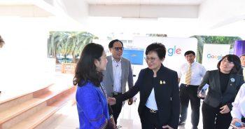 งานมหกรรมสิ่งประดิษฐ์ด้าน ICTระหว่างนักเรียนไทย-ญี่ปุ่น